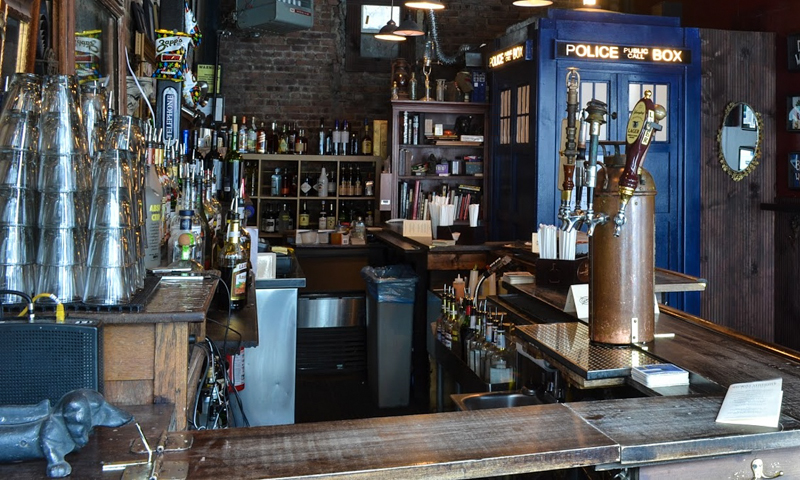 4_dr who themed bar