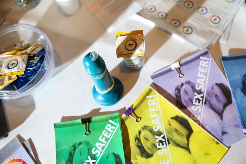 5_STI-detecting condom