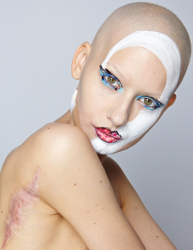 6_model who lost her jaw to cancer