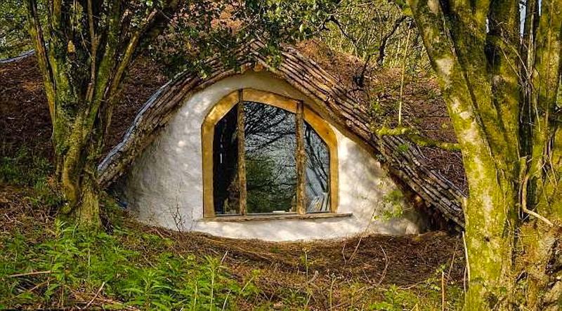 4_family hobbit house