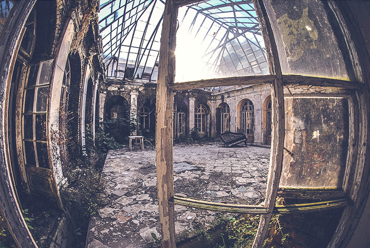 12_abandoned places