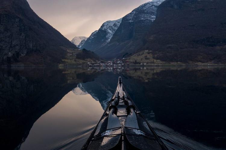 13_adventure kayaker