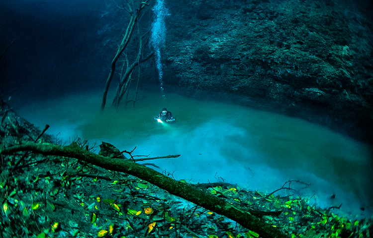2_amazing underwater river