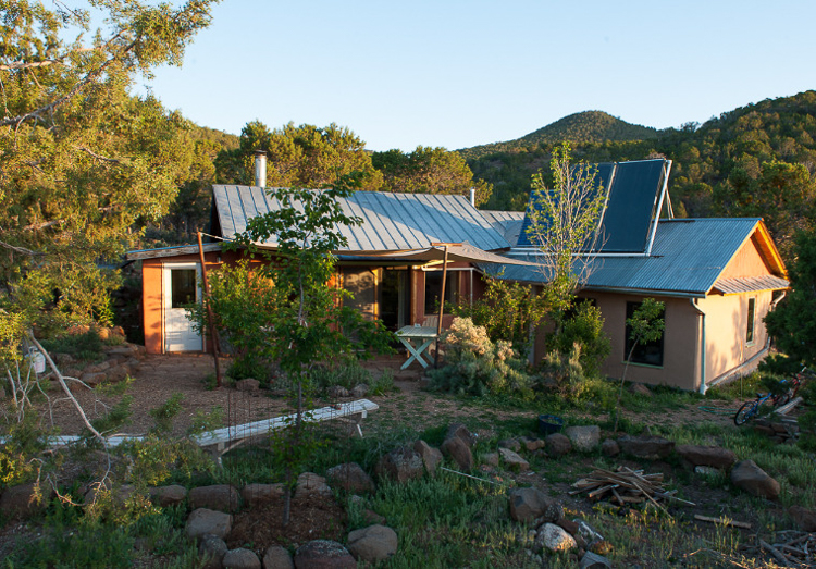 4_truth about off-grid homes
