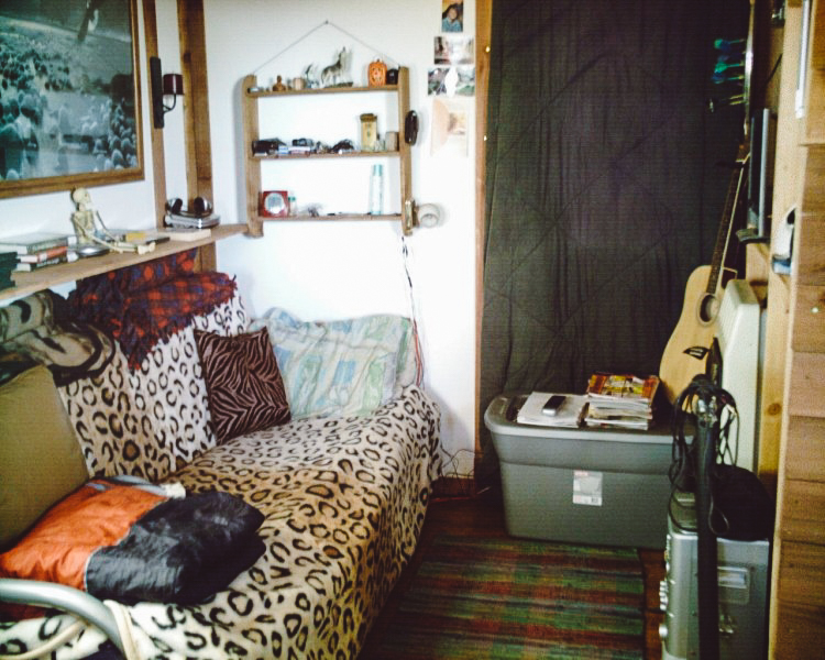 8_off-grid solar home for only $2,000