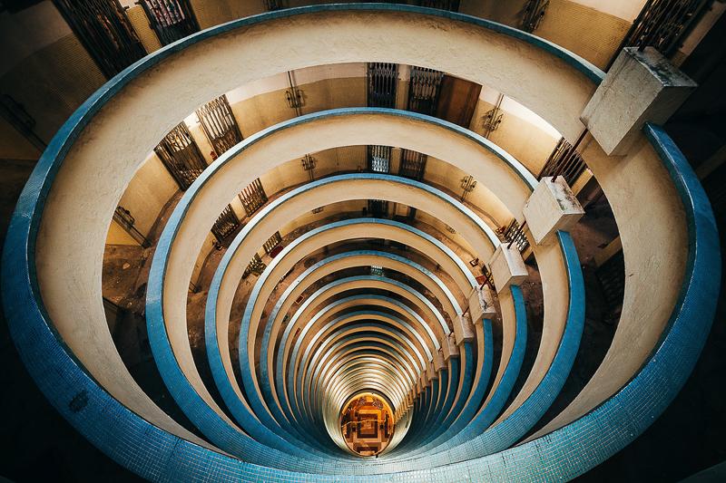 9_hypnotizing architecture