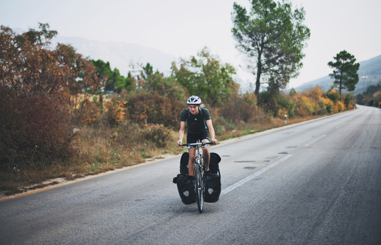 5_32-year-old biked across 30 countries