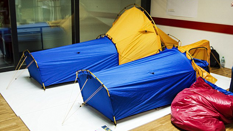 5_sleeping bag and tent hybrid