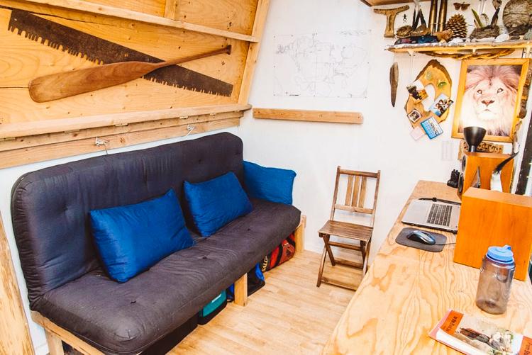 8_micro-cabin