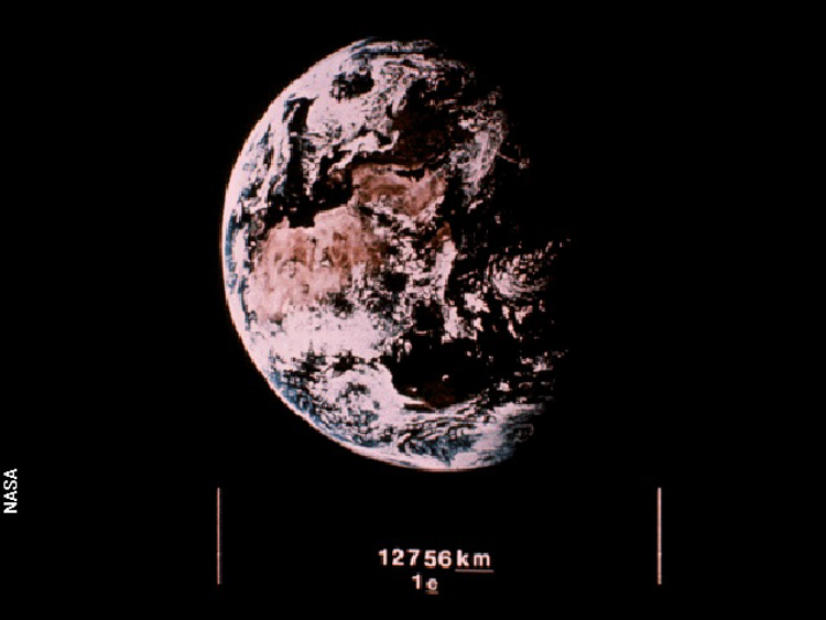 18_images NASA sent into space 30 years ago