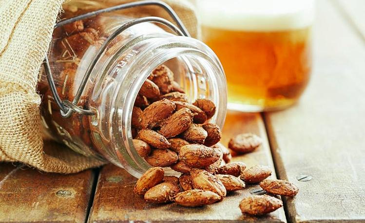 3_Drinking almond milk