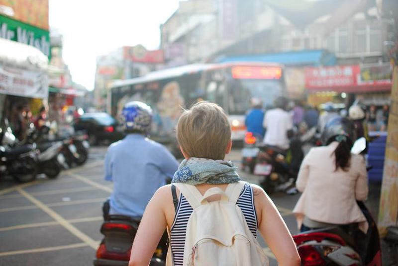 4_millennials easy travel