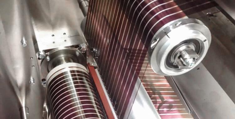 4_paper-thin solar cells