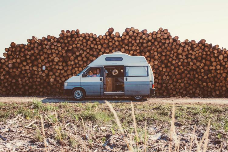 6_VW camper van couple traveling