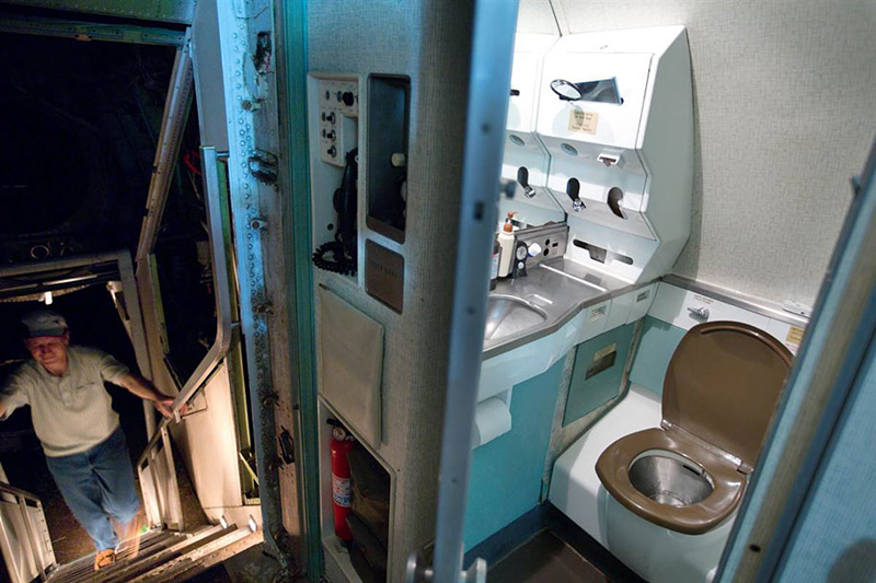 3_abandoned airplane house pacific woods