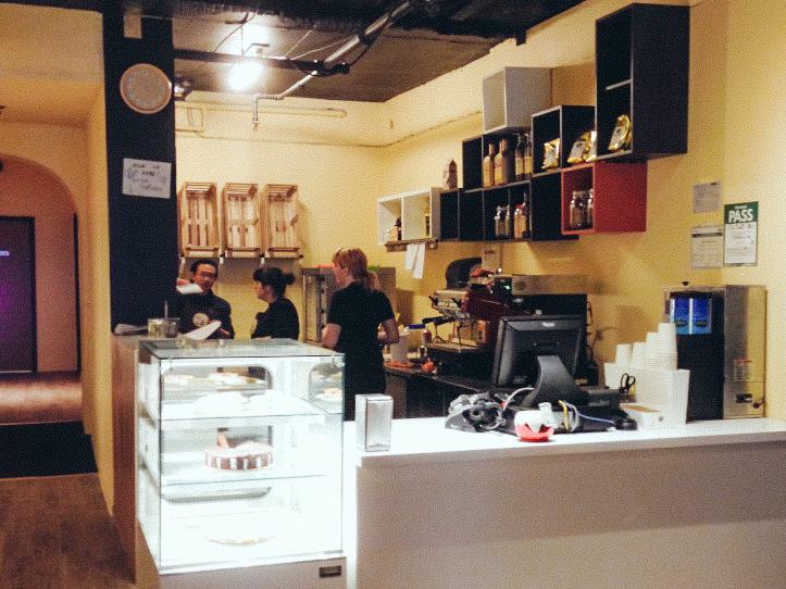 5_Cat Cafes