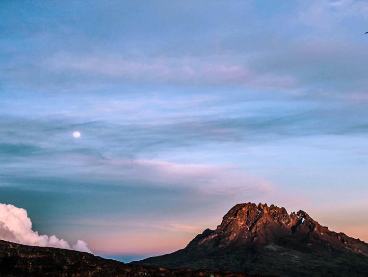 6_climbing-mount-kilimanjaro.jpg