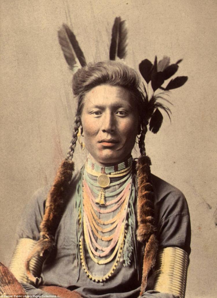 10_Native American Colorized Photos