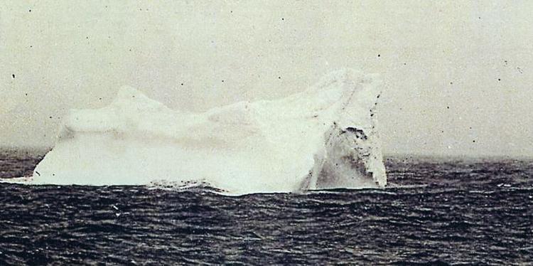 3_peek inside Titanic II