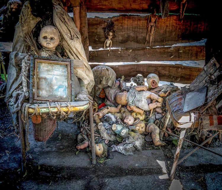 2_Island of the Dolls