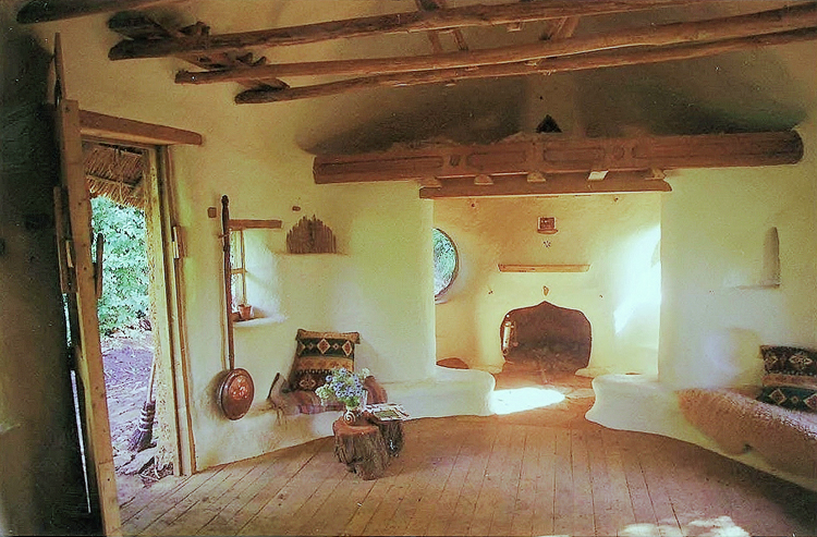 2_eco-friendly cob house for only $250