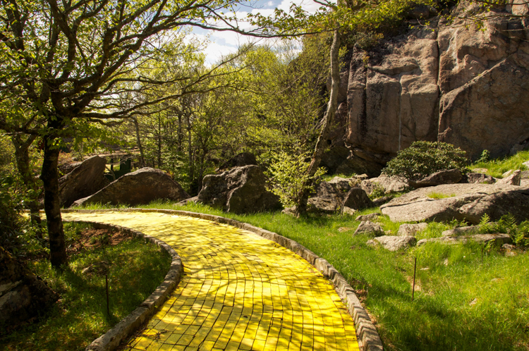 3 Abandoned Wizard Of Oz Theme Park