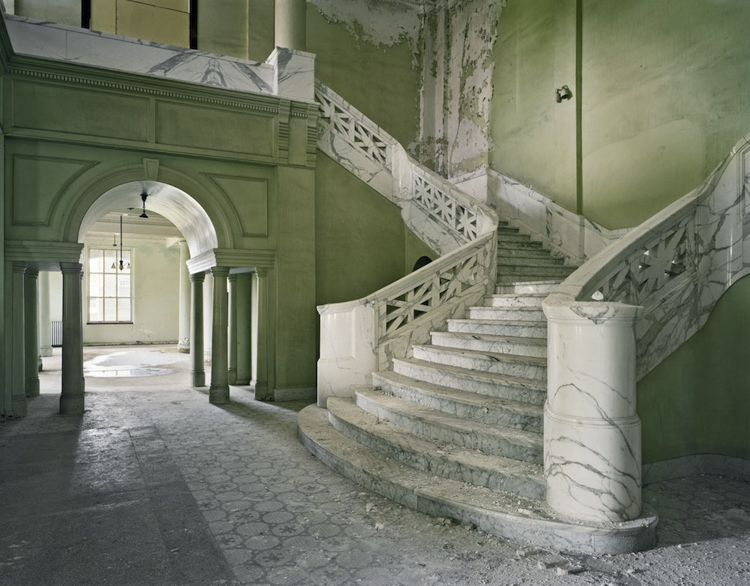 4_haunting scenes from 70 psychiatric hospitals