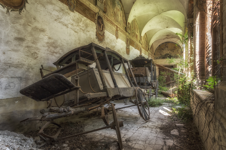 4_Abandoned-buldings