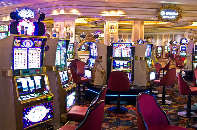 2_grandmas are spending retirement at the casino