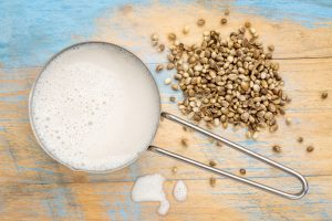 hemp milk and seeds