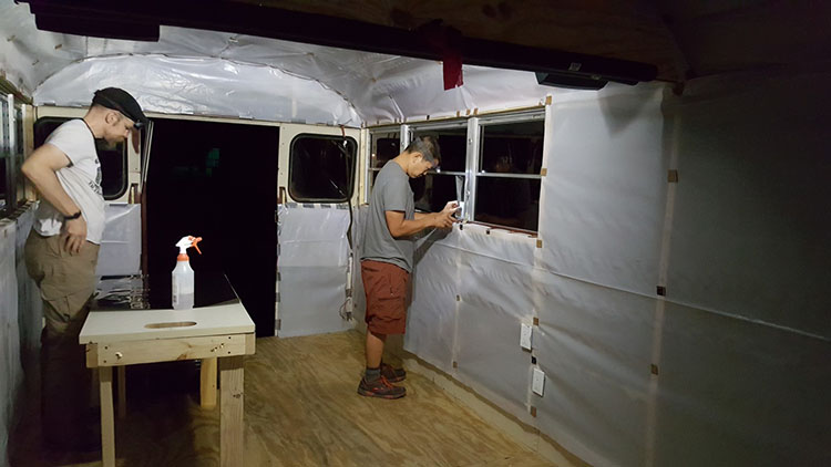 15_school-bus-converted-into-tiny-home