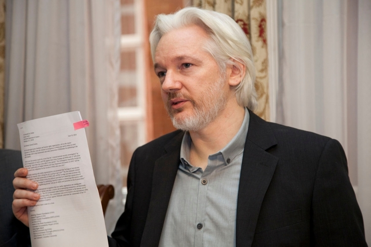 Founder of WikilLeaks, Julian Assange, has denied that Russian hackers provided DNC e-mails